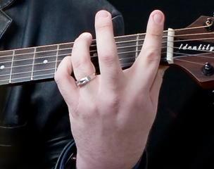 guitarist_left_hand
